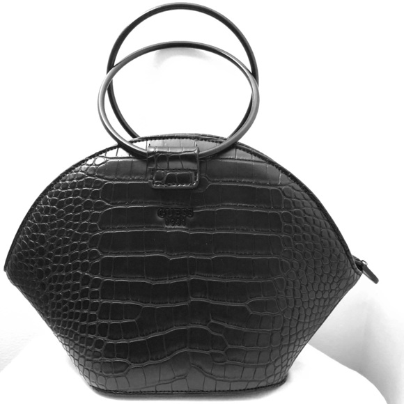 Handbags - Guess Handbag